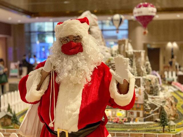 ヒルトン福岡シーホークに「クリスマス・トレイン」登場