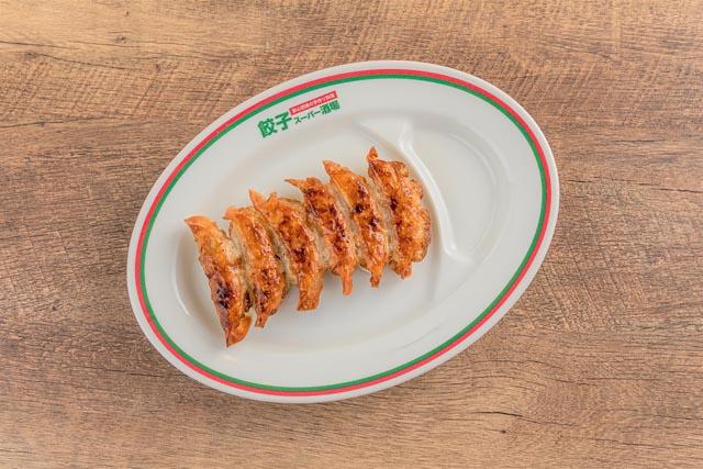 まるでスーパーのような餃子屋が博多中洲に開店
