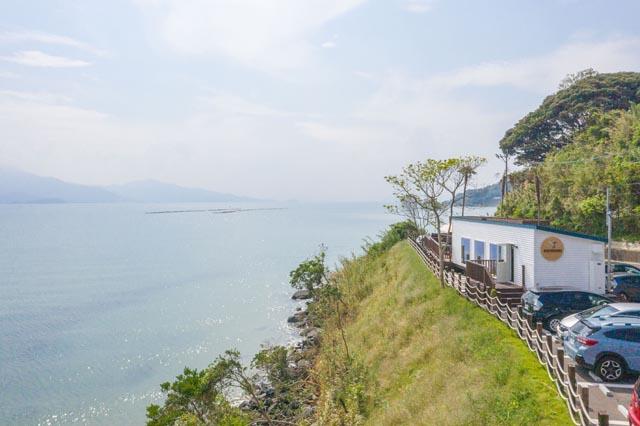 全席オーシャンビュー、糸島の海辺のカフェ「HACHIDORI」がリニューアル