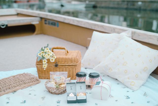 【ここだけの体験】お舟の上でピクニックが楽しめる 1日1組限定の特別な宿泊プランを販売