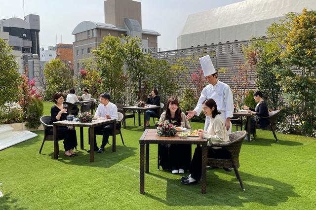 西鉄グランドホテル屋上に「ガーデンレストラン」期間限定オープン