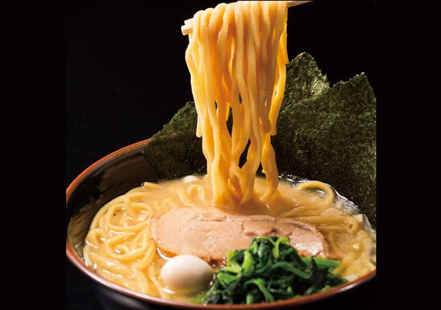 濃厚スープがクセになる一杯「横浜家系ラーメン 角蔵家」博多にオープン