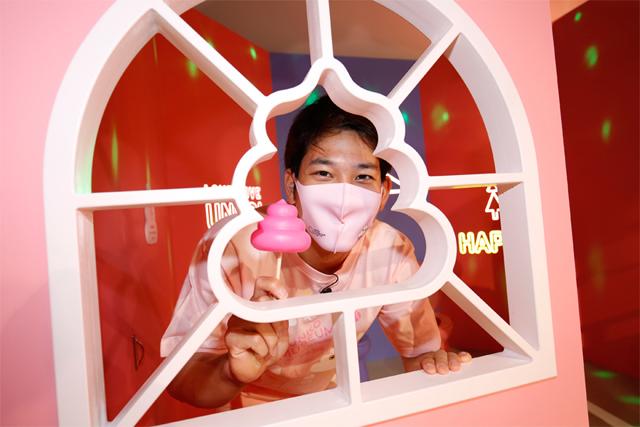 タカガール♡デー限定、うんこミュージアム「ピンクのマイうんこ」倍増