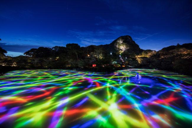 チームラボ、九州の大自然のアート展「かみさまがすまう森」今年も武雄温泉の御船山楽園で開催