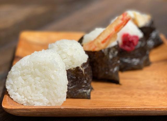 今年3月にオープンした美野島のおにぎり専門店「米一粒ノチカラ」が博多マルイに登場