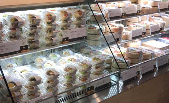 福岡の美味しいを知り尽くした駅弁専門店「初屋はかたろう」博多デイトスのいっぴん通りに登場