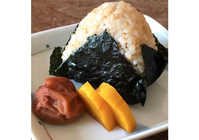 ココロにもカラダにも優しい玄米のおむすび屋さん「玄米結びや iTo」小倉にオープン